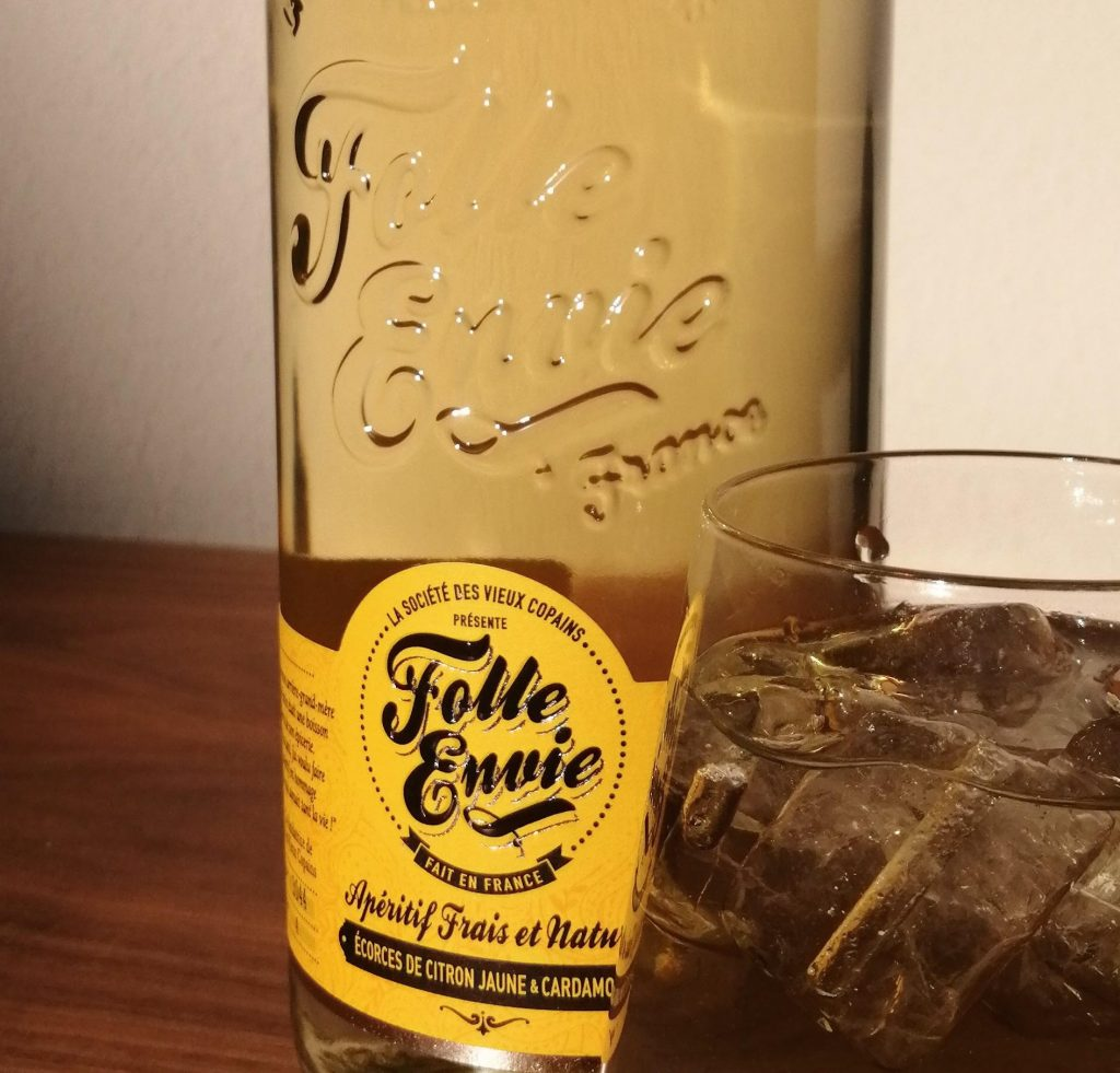 Folle Envie aperitif with tonic water